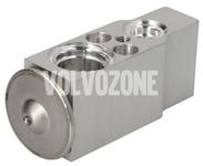 Expanzný ventil klimatizácie P2 (2005-) S60/S80/V70 II/XC70 II/XC90